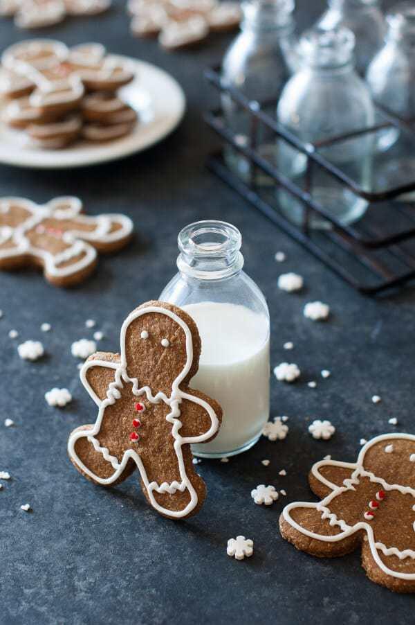 The Best Ever Paleo Gingerbread Cookies Recipe {Gluten Free, Clean Eating, Dairy Free, Vegan}