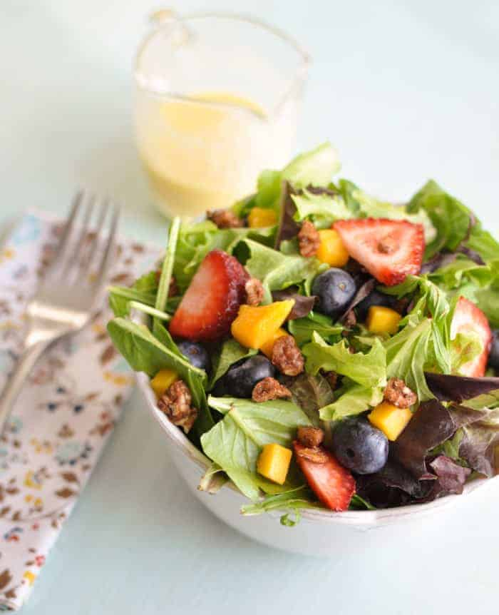 Mixed Greens with Mango, Berries and Mango Salad Dressing